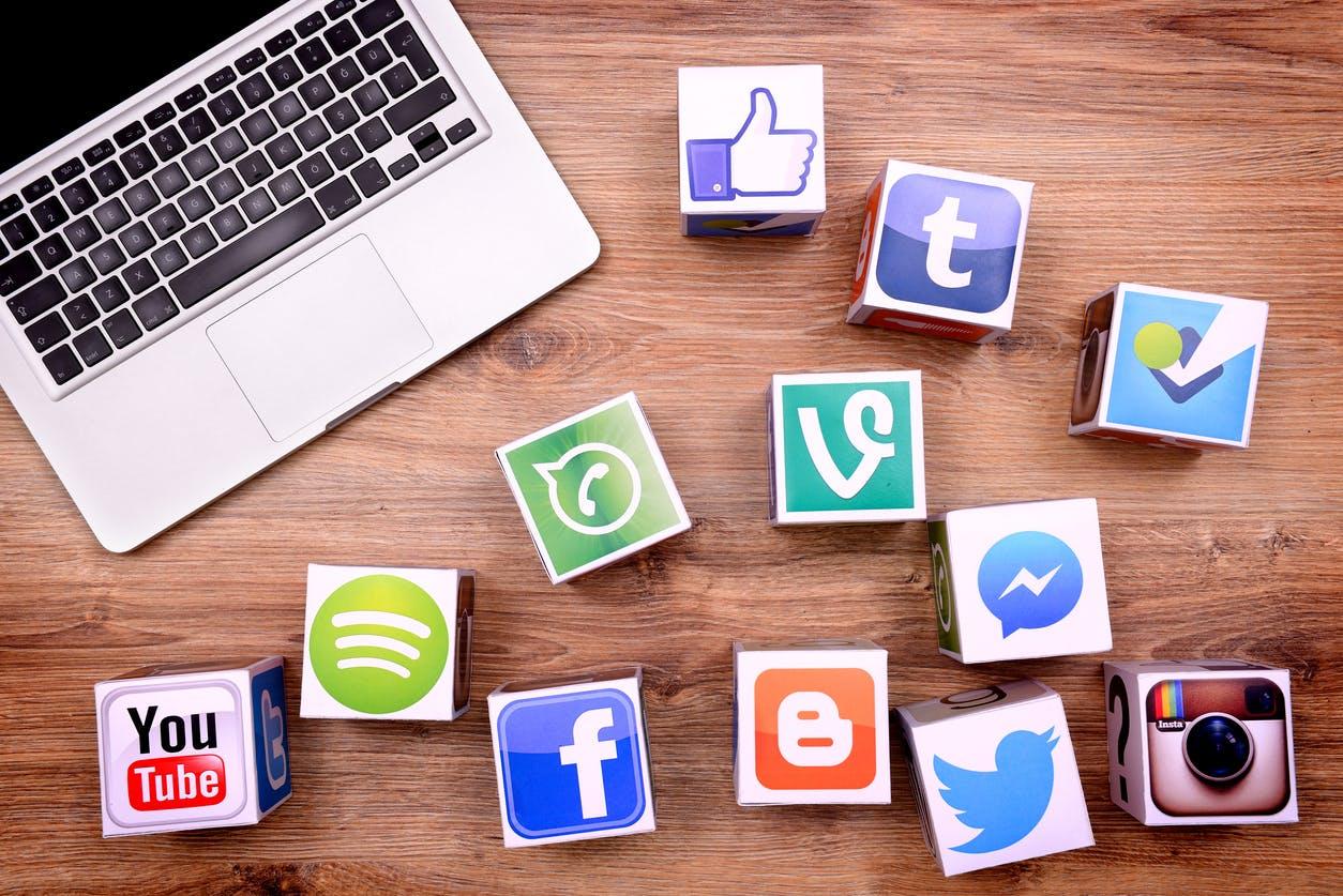Siniestro - 4 elementos clave de una estrategia de social media eficaz